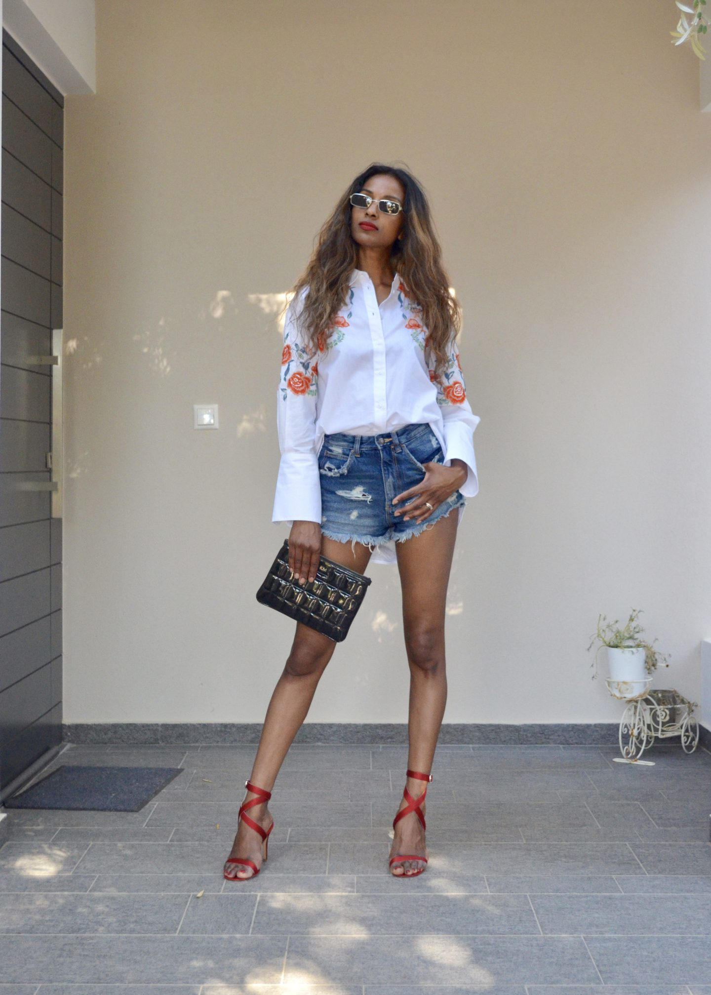 How to wear an oversized shirt with denim shorts