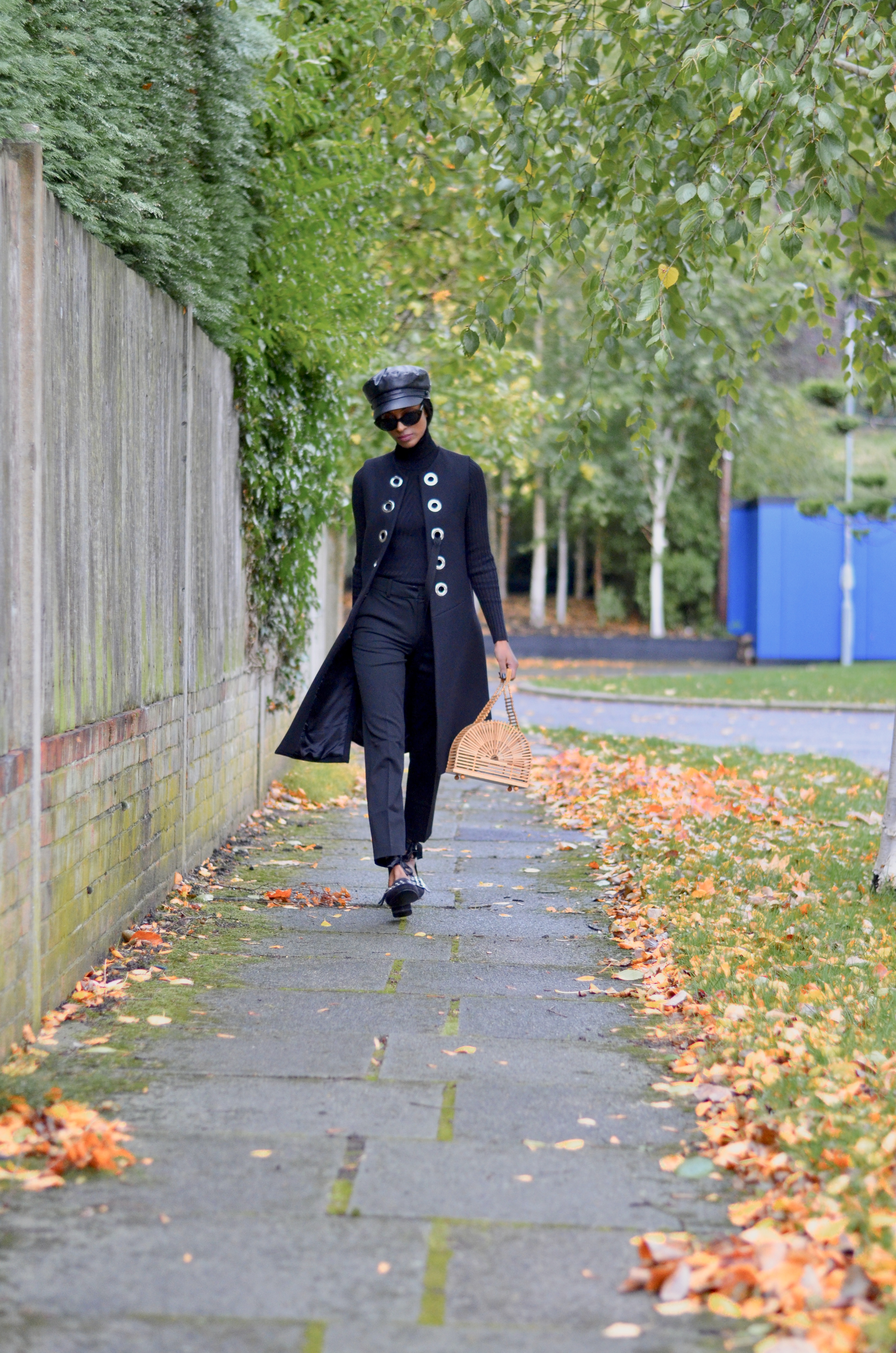 CIGARETTE TROUSERS AND VEST COAT