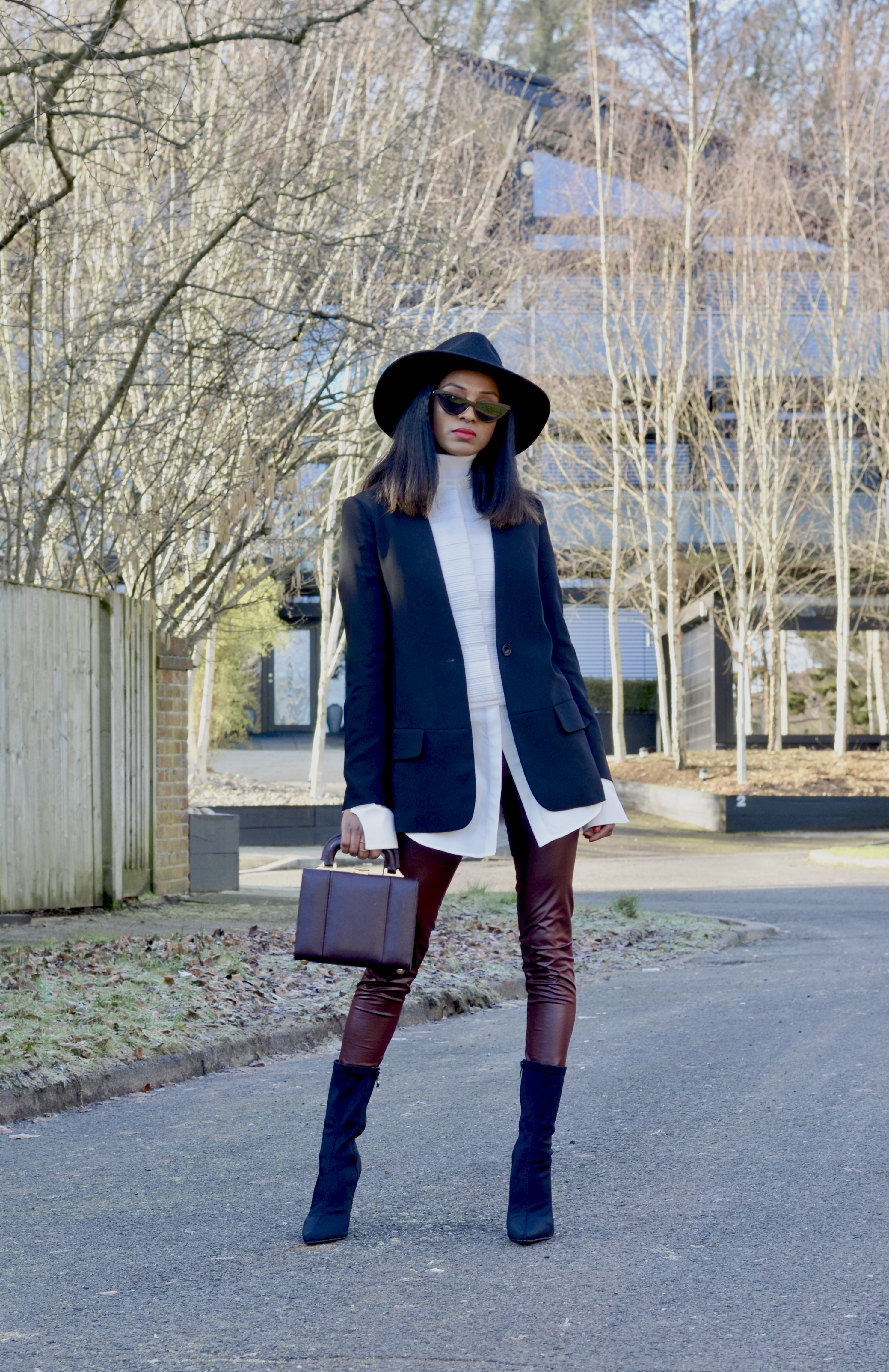 HOW TO STYLE WINE COLOURED LEGGINGS